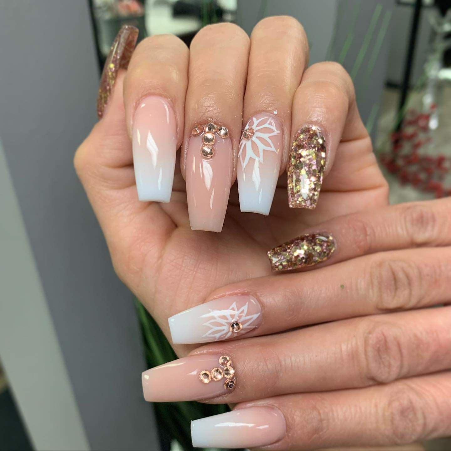 Chica's Nails